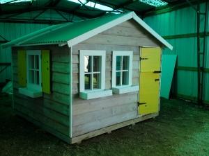 Cubby House2